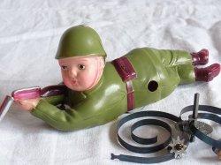 画像1: 【難有り・不動品】希少品 鉄砲をかまえる兵隊さん オキュパイド ジャパン(占領下日本製1947〜1952)